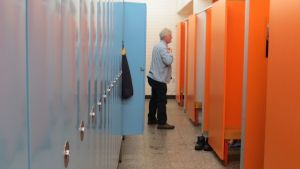 Hämeenlinnan uimahallin pukeutumistilat ja loosit