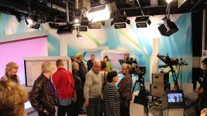 Ylen Keski-Suomen ja Suoran linjan tv-studio.