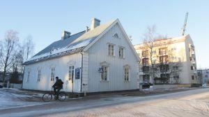 Tyttöjen talo avattiin syyslomaviikolla Rovaniemen Kansakadulla.