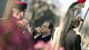 Presidentti Francois Hollande osallituu I:n maailmansodan muistopäivän seremoniaan Pariisissa 11. marraskuuta 2013.