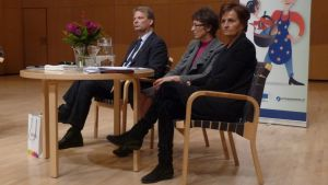 Europarlamentaarikot Hannu Takkula, Sari Essayah ja Anneli Jäätteenmäki kävivät Mikkelissä panemassa vauhtia eteläsavolaisiin EU-rattaisiin.