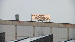 Hollming Works -konepajan kyltti