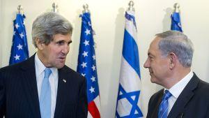 John Kerry tapasi torstaina Israelin pääministerin Benjamin Netanjahun.