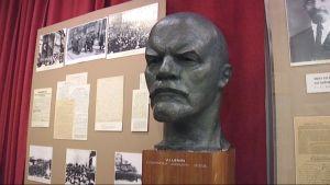 Lenin patsas Lenin-museossa.