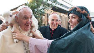 Lammas paavin kaulalla