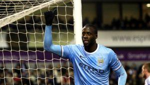 Manchester Cityn Yaya Touré tuulettaa maaliaan.