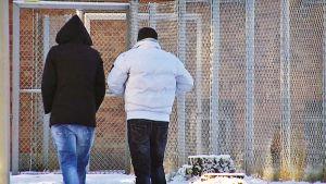 Turvapaikanhakijoita Joutsenon vastaanottokeskuksessa.