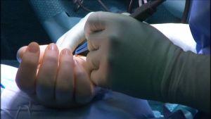 Vakuutusyhtiö Pohjolan omistama Omasairaala on erikoistunut ortopediaan. Potilaat ovat työikäisiä, ja useimmiten hoidon maksaa vakuutusyhtiö.