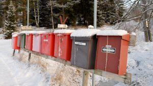 Postilaatikoita Orimattilan Luhtikylässä.