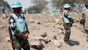 YK:n rauhanturvaajat partioivat Etelä-Sudanin Borissa.