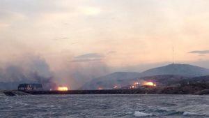 Tulipalo Norjan rannikolla Hasvågin kylässä.