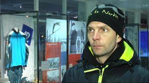 Janne Ahonen Lahden Hiihtomuseossa.