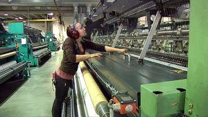 Köyden valmistusta Piippo Oy:n tehtaalla