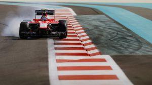 Marussia-tallin Max Chilton ajaa Abu Dhabin radalla.