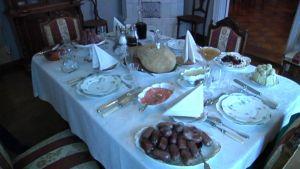 Palanderin talon joulupöytä
