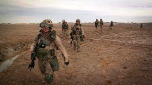 Suomalaisia rauhanturvaajia partioimassa Afganistanissa.