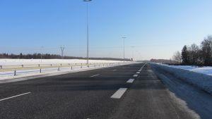 Moottoritie talvella Kemin kohdalla