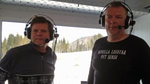 Jarmo Lehtinen ja Reijo Jylhä selostuskopissa Sotshissa.