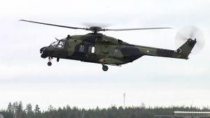 NH-90-kuljetushelikopteri Utissa.