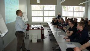 UPM:n uuden paperialan koulutuksen avajaistilaisuus pidettiin Vierumäen urheiluopistolla
