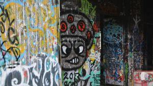 Irvistys graffitissa