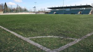 Kajaanin tekonurmikenttä on ollut jalkapalloilijoiden käytössä jo maaliskuun alkupuolelta asti.