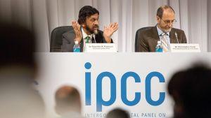 Ilmastonmuutospaneeli  IPCC:n tiedotustilaisuus Tokiossa