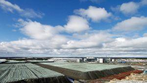 Talvivaaran bioliuotuskasoja ja metallitehdas.
