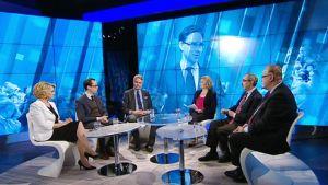 Yle TV1 lähettää tänään erikoislähetyksen kello 18.15 pääministerin vaihtumisesta.