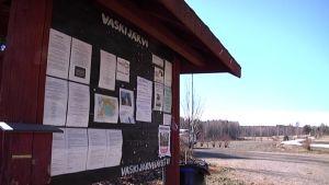 Karkkilan Vaskijärven kylä pohtii osakuntaliitosta Karkkilasta Loppeen.