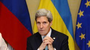 Yhdysvaltain ulkoministeri John Kerry Genevessä vähän ennen Ukrainan tilanteesta käytäviä neljänvälisiä neuvotteluja.