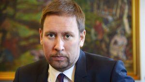 Paavo Arhinmäki.