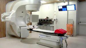 Syöpäosaston sädehoitolaite
