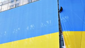 Suuri Ukrainan lippu.
