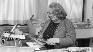 Maija Dahlgren Yleisradiolla vuonna 1983.