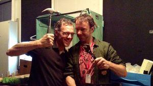 Olivier Ducas ja Francis Monty teatteri Mukamaksen Nukketeatterifestareilla 2014.