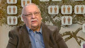Sukututkija Teuvo Ikonen.