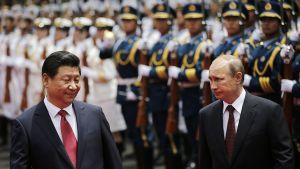 Venäjän presidentti Vladimir Putin ja Kiinan presidentti Xi Jinping valokuvattuna Shanghaissa 20. toukokuuta.