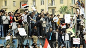 Mubarakin hallituksen vastaisia mielenosoittajia Egyptin Tahrir-aukiolla helmikuussa 2011.