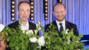 Perussuomalaisten eurovaaliehdokkaat Jussi Halla-aho ja Sampo Terho puolueen europarlamenttivaalien vaalivalvojaisissa.
