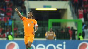 Norsunluurannikon Didier Drogba tuulettaa sormi pystyssä.