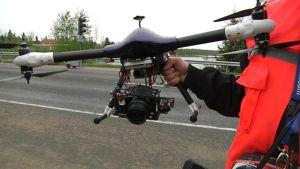 Pienoishelikopteri valmiina matkaan