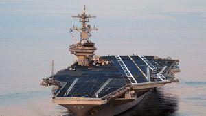 Yhdysvaltain laivaston lentotukialus  USS George H.W. Bush lähdössä Norfolkin laivastotukikohdasta.