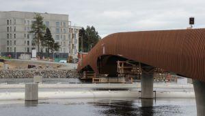 Ylisoutajan silta Joensuussa.