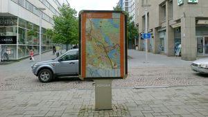 Opastekyltti Hämeenlinnan Reskalla