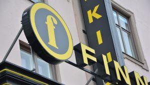 Turun Kinopalatsin Finnkino-kyltti.