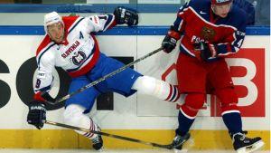 Valeri Karpov (oik.) pelasi neljät MM-kisat pelaajaurallaan.
