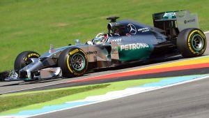 Lewis Hamiltonin aika-ajo päättyi lyhyeen.