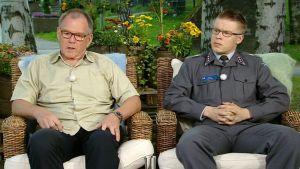 SPR:n viestintäjohtaja Hannu-Pekka Laiho ja Maanpuolustuskorkeakoulun opettaja Antti Paronen.