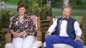 Suimi-Venäjä -seuran puheenjohtaja Paula Lehtomäki ja Aleksanteri-instituutin johtaja Markku Kivinen.